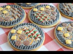 Learn how to make fun grill cookies with little hamburgers and shish kebobs in this video tutorial by SweetAmbs. Spice Cookies, Cute Cookies, Cupcake Cookies, Cookie Favors, Baby Cookies, Flower Cookies, Heart Cookies, Valentine Cookies, Easter Cookies