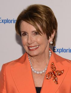 Nancy Pelosi Pearl Studs - Nancy Pelosi wore a magnificent pair of South Sea Pearls that accentuated her golden complexion at the Annual Exploring the Arts Gala. Badass Women, Successful Women, South Sea Pearls, Pearl Studs, Silver Hair, Powerful Women, Role Models, Hollywood, Celebrities