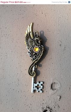 awesome. key pendant.. man I wish my keys could look like this