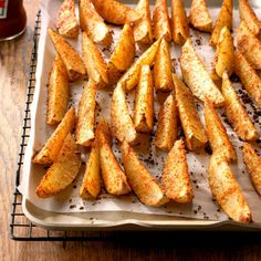 Need potato side dishes? Get great potato side dishes for your next meal or gathering. Taste of Home has lots of delicious potato side dishes including sweet potato side dishes, easy potato side dish recipes, and more recipes for potato side dishes. Seasoned Potato Wedges, Parmesan Potato Wedges, Potato Wedges Recipe, Parmesan Potatoes, Twice Baked Potatoes, Sausage Potatoes, Side Dish Recipes, Easy Dinner Recipes, Easy Meals