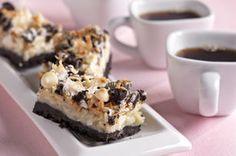 OREO Shazam Bars Yummy Treats, Delicious Desserts, Sweet Treats, Dessert Recipes, Bar Recipes, Cream Recipes, Baking Recipes, Snack Recipes, Snacks