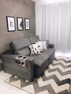 Que sala mais aconchegante e linda pra esse sábado a noite! Small Living Rooms, Home Living Room, Living Room Designs, Living Room Decor, Home Decor Furniture, House Design, Interior Design, Decoration, Sweet
