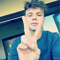 HAPPY 23RD BIRTHDAY TO MY BEAUTIFUL LIL BUTTERCUP NAMED ASHTON FLETCHER IRWIN♡•°○°•♡THESE BOYS ARE GROWING UP TOO FAST AND I DON'T THINK MY HEART CAN TAKE IT >_<