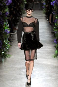See the complete Givenchy Fall 2011 Ready-to-Wear collection.