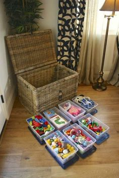 13 Kid-Friendly Living Room Ideas to Manage the Chaos - Spielzeug Ideen Creative Toy Storage, Kid Toy Storage, Living Room Toy Storage, Plastic Storage, Childrens Toy Storage, Toy Storage Solutions, Lego Storage, Plastic Bins, Plastic Containers