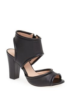 For those of us who cannot resist a great black shoe.  Gayle' Sandal by Sole Society | Pretty Little Liars