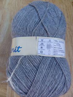 100g Robin DK knitting yarn 027 Silver £1.59