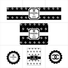 O kit será personalizado com o tema da festa, nome e idade do aniversariante e pode ser composto por 5, 10 ou 15 itens a escolher: Bandeirinha (5x3,5cm) Bandeirola (18x13cm) Barrado para cupcakes (4x21,5cm) Barrado para minicupcakes (2,8x15cm) Capa para pirulitos (7,5x7,5cm) Cone para guloseimas (15,5cm) Convite 10x15cm Forminha para docinhos (3,5x3cm) Lapela para fechar saquinhos (10x10cm) Rótulo para baton (6x6,5cm) Rótulo para bis (7,5x5,5cm) Rótulo para água (5x21cm) ...