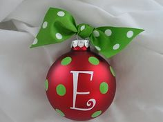 Quick and Easy DIY Christmas Tree Ornaments - The Cottage Market Grinch Christmas, Christmas Ornaments To Make, Christmas In July, Homemade Christmas, Christmas Projects, Kids Christmas, Holiday Crafts, Christmas Decorations, Christmas Balls