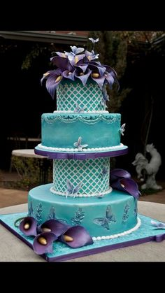 I love this one and if one day I were to get married again I would love something like this even the colors are beautiful