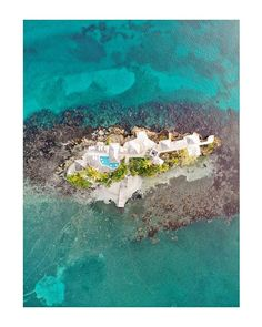Would you stay on this small island ? Theres one catch its a nude island. No serious it was a nude island  @visitjamaica @iflycaribbean #visitjamaica #homeofallright #carnivalinjamaica #iflycaribbean