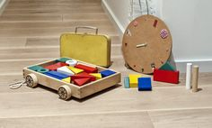 Want to play a little bit? Here you have some building blocks with wagon ;)