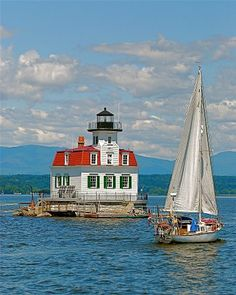 Esopus Meadows Lighthouse, Hudson River, Kingston, NY