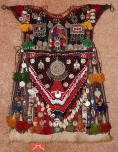 Nomadic Tekke-Turkmen Child's Ceremonial Garment von CulturalPatina