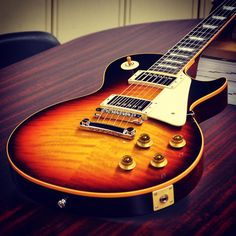 Historic 1959 Gibson Les Paul in Vintage Darkburst