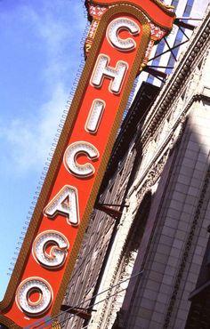 Google Image Result for http://www.ronsaari.com/stockImages/chicago/chicagoTheatreSign.jpg