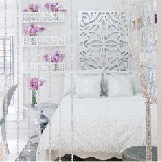 gorgeous! simple color scheme yet opulent