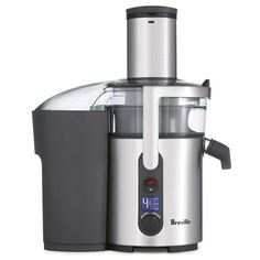 Sage by Heston Blumenthal Nutri Juicer Plus - Crux Baby. Keeping juice cool is an important element in preserving nutrients, it has a centered feed chute and with less than 2 degrees of heat transfer, this juicer maximises the nutrition. Kitchen Gourmet, Kitchen Dining, Best Juicer Machine, Juice Maker, Juicer Reviews, Centrifugal Juicer, Heston Blumenthal, Fruit Juicer, Fruit Blender