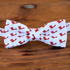 Boys cardinal bow tie  red birds on white cotton by becauseimme