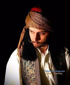 Ancient Greek Costumes, Greek Men, Fantasy Books, Costume Design, Art Reference, Greece, Folk, Traditional, Revolution