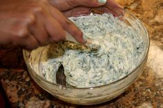 Design, Life, and Style: Skinny Spinach Dip With Greek Yogurt