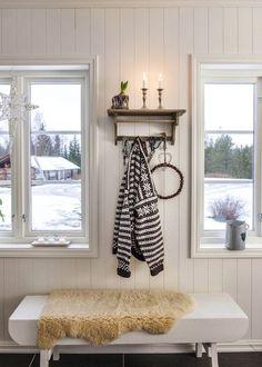 6 tips för mysig adventsstämning – som varar hela december – Hus & Hem Winter Christmas, December, Sweet Home, Cottage, Cozy, Curtains, Maine, Home Decor, Ideas