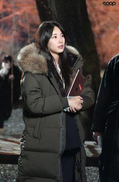Nam Joohyuk, Joo Hyuk, Bae Suzy, Winter Wear, Tv Shows, Winter Jackets, Actresses, How To Wear, Beautiful
