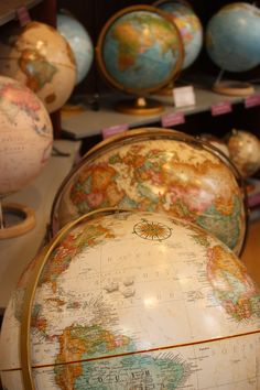 Replogle globes of chicago. globes and maps Old Globe, Globe Art, Travel Maps, Travel Posters, Map Crafts, Vintage Globe, Map Pins, World, Creative
