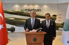 Cumhurbaşkanı Abdullah Gul, Cumhurbaşkanlığı Genel Sekreteri Mustafa İsen ile Roketsan fabrikası'nda incelemelerde bulundu.