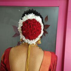 New Bridal Hairstyle, Marathi Saree, Nauvari Saree, Bun Hairstyles, Hair Styles, Hair Plait Styles, Hair Makeup, Hairdos, Haircut Styles