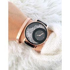 La sublime #montre MADISSON Noire Rose Gold est votre favorite depuis plusieurs mois.. Retrouvez-la vite sur www.ayabijoux.fr à prix tout doux ☺