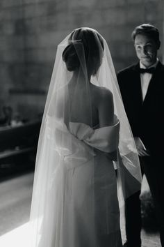 Wedding Bows, Wedding Veils, Dream Wedding Dresses, Wedding Shoot, Bridal Veils, Chapel Wedding, Wedding Beauty, Drop Veil, Bride Accessories
