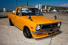 B110 Lowrider Trucks, Nissan Trucks, Little Truck, Mercedes Benz Cars, Mini Trucks, Toyota, Car Tuning, Japanese Cars, Jdm Cars