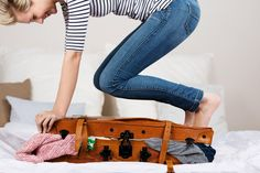 How to efficiently pack a suitcase