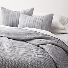 Gray Bedspread, Grey Comforter, Grey And White Bedding, White Duvet, Bedroom Comforter Sets, Quilt Bedding, Bedroom Bed, Couches, Jersey Quilt