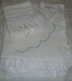 Kit manta de piquet bordada a mão
