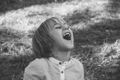 Fotografía infantil, retratos en blanco y negro, niños, exteriores Vigo.