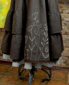 Купить или заказать Юбка Бохо льняная длинная с ручной вышивкой в интернет-магазине на Ярмарке Мастеров. Эта юбочка была сшита по заказу, для Дарьи. Спасибо моим заказчицам, благодаря которым и появляются новые, интересные модели. Очень красивая, женственная юбка с ручной авторской вышивкой. Длинная, многослойная, ярусная, летящая юбка сложного кроя. Выполнена из натурального льна красивого шоколадного цвета. Нижняя юбка из тонкого хлопка с льняной оборкой из серого небеленого льна.