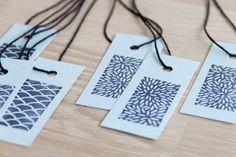 ensemble d'étiquettes de papier simple avec des motifs japonais main estampillée (vagues de l'océan et riz)