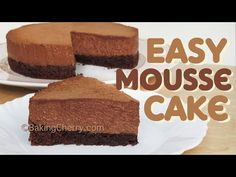This recipe is super easy to make! You don't even have to use an electric mixer to make the cake bottom. The filling is delicious, made with semi-sweet chocolate and heavy whipping cream. Chocolate Chip Marshmallow Cookies, Chocolate Mousse Recipe, Chocolate Cakes, Chocolate Mouse, Easy Cake Recipes, Dessert Recipes, Desserts, Cheesecake Mousse Recipe, Dessert Mousse