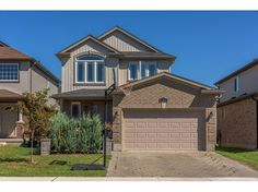 712 BLACKACRES BL - Great shopping, new schools and more. Spacious foyer open to 2nd lvl with upgraded staircase and wrought iron spindles.  CALL LYNDSEY WEBSTER 519.673.3390  http://www.century21.ca/Property/101156860