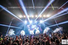 Si Time Warp ne propose plus d'édition hivernale depuis plusieurs années, vous pouvez en revanche compter sur le Stuttgart Electronic Music Festival pour vivre une rave géante outre-Rhin, en plein mois de décembre! Techno, Time Warp, Electronic Music, Revanche, Outre, Night, Concert, Rave, Party