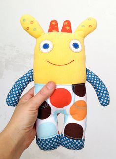 Soft toy // monster toy // monster softie in by BursariaWorkshop - is-sit tiegħi Sewing Toys, Sewing Crafts, Sewing Projects, Baby Bibs Patterns, Stuffed Toys Patterns, Monster Toys, Ugly Dolls, Fabric Animals, Toy Craft