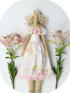 Trapo de vestido rosa pastel de tela muñeca por HappyDollsByLesya