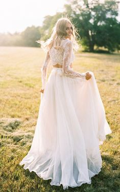Cool 51 Amazing Long Sleeve Wedding Dresses Ideas. More at http://trendwear4you.com/2018/04/06/51-amazing-long-sleeve-wedding-dresses-ideas/