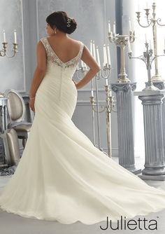 Plus Size Wedding Dress Crystal Beaded Embroidery On An Organza Wedding Dress