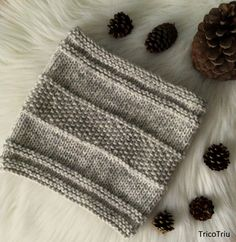 Hoy os traigo el patrón de un cuello muy sencillo en el que que he utilizado los tres puntos más básicos que toda tejedora debe dominar.   E... Baby Knitting Patterns, Loom Knitting, Knitting Stitches, Crochet Patterns, Chunky Crochet, Crochet Motif, Knit Crochet, Knitting Projects, Crochet Projects