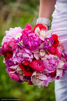 Hot pink wedding flowers garden roses instead of peonies