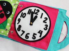 Benutzerdefinierte handgefertigte Kinder ruhig Buchseite. Guter Weg, um Ihre kleinen besetzt halten und lernen während der Kirche, des Doktors Termine, Reisen und in jedem Sie Ihre Kinder ruhig zu halten müssen unterhalten. Einzigartige und nachdenklich Geschenk-Idee! Erweitern Sie und ändern Sie Ihr Buch mit Ihrem Kind, wie sie lernen und wachsen! Wählen Sie alle 4 + Seite buchen und Sie erhalten eine kostenlose personalisierte Decke mit leicht zu transportierenden Griffe!  Dieses Angebot…