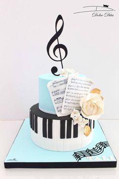 This but not flowers. Music Themed Cakes, Music Cakes, Music Birthday Cakes, Unique Cakes, Creative Cakes, Pretty Cakes, Cute Cakes, Fondant Cakes, Cupcake Cakes